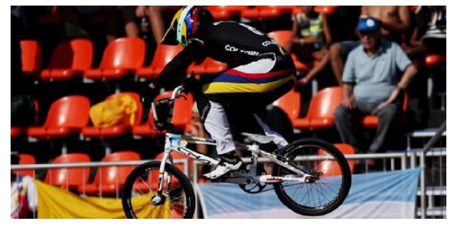 Carlos Ramírez logró medalla de bronce en BMX